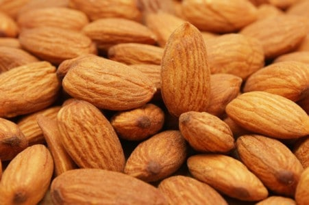 almonds vitamin E