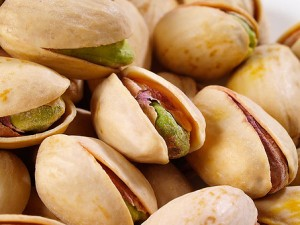 pistachios-lutein-skin-eye-vision