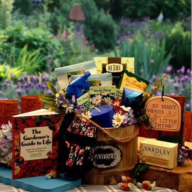 Mothers_DayBlooming-GiftBasket
