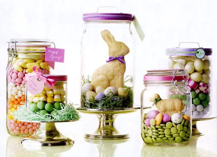 A gift idea for Easter is this mason jar craft filled with colorful candy, peeps, chocolate bunnies, robin eggs and decor items. Easy, cute and so adorable to use as craft ideas.