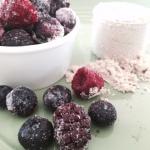 Frosen berries protein smoothie