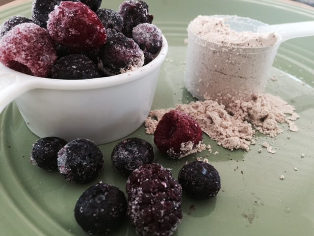 Frosen berries protein smoothie