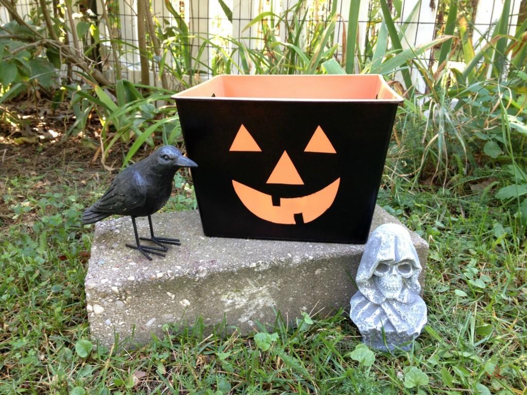jack-o-lantern candy tub