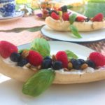 Greek Yogurt Banana Split Breakfast #RecipeIdeas
