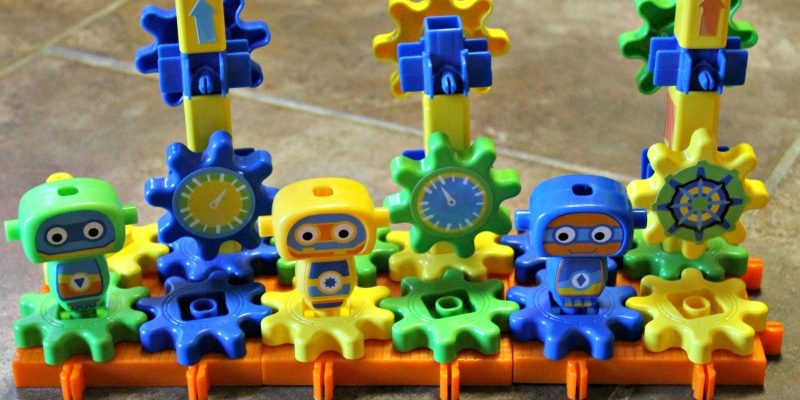 Encourage STEM Skills with the Robot Factory Building Set