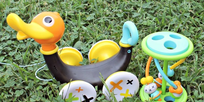 Pull Along Whistling Duck Helps Child Development