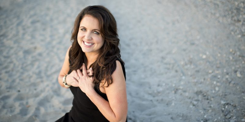 Author Kelly McNelis Offers To Embrace Our Power As Women
