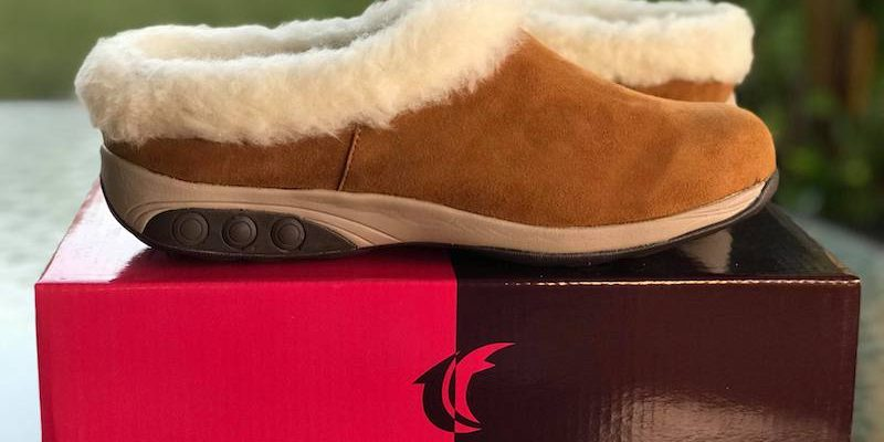Keep Your Feet Warm And Comfortable With Therafit Clogs #MyWOWgift