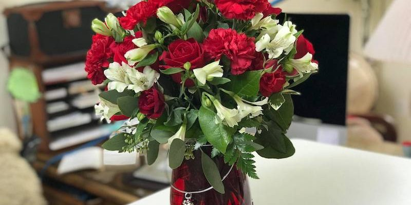 Who Wants To Shower Their Valentine With TELEFLORA Flowers?