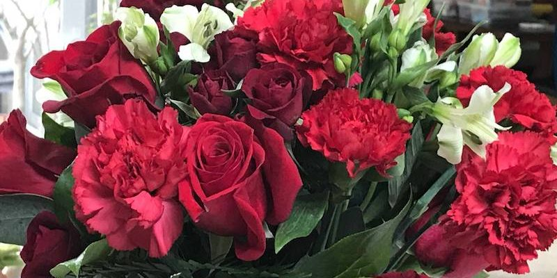 Win Your Valentine's Smile With Teleflora Flowers #HeartThis