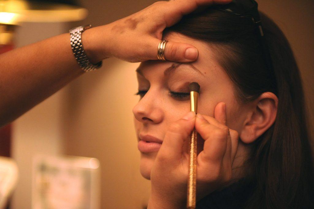 Beauty Tips, Eye Makeup Application