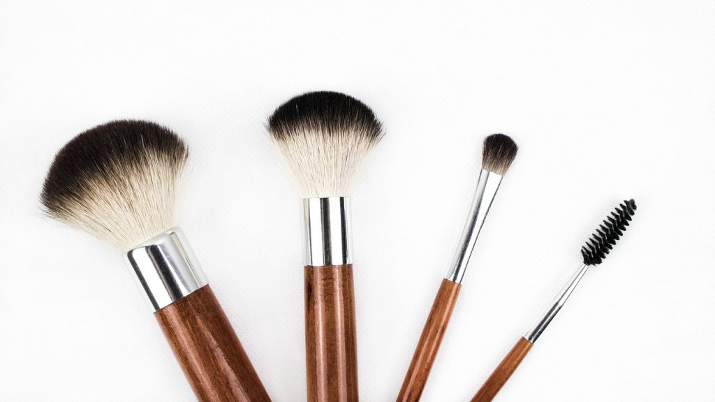 Beauty Tips, Makeup Brushes