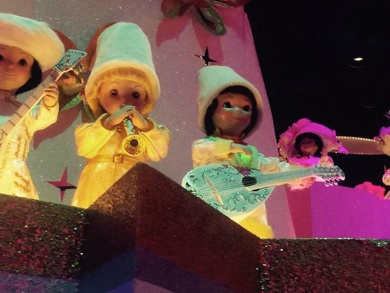 Its-A-Small-World-Disneyland-7