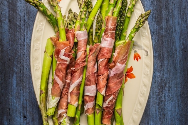 Grilled Asparagus wrapped in bacon