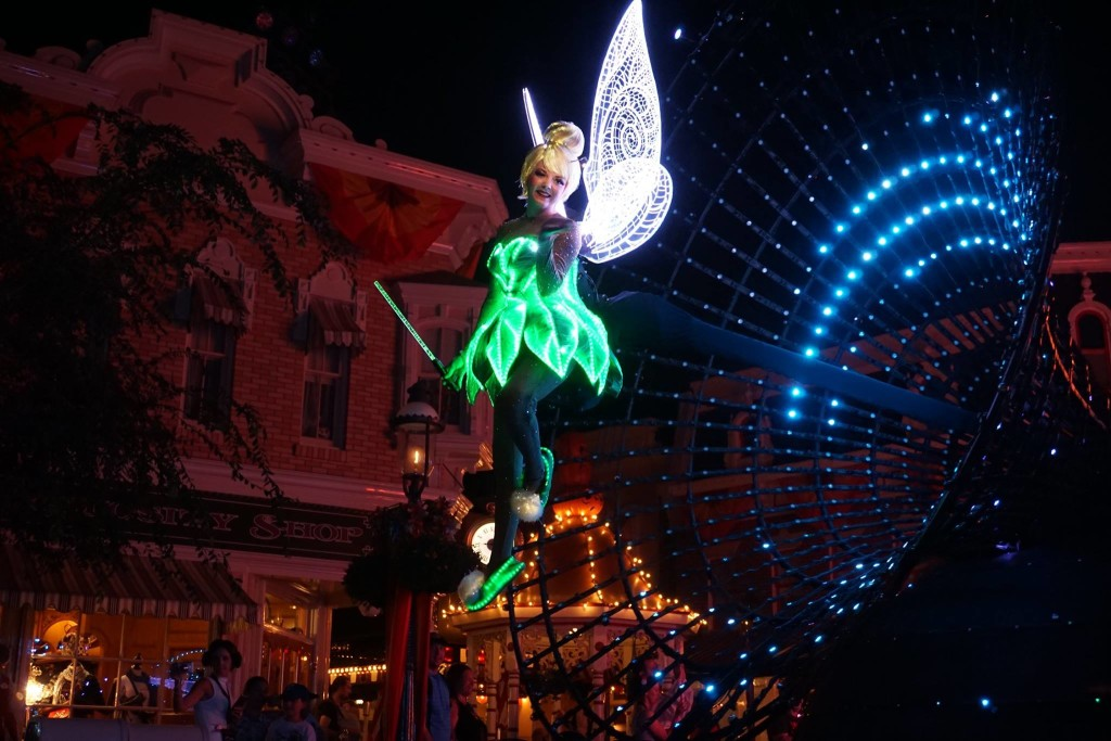 Tinker Bell Leading Float, Paint the Night Parade