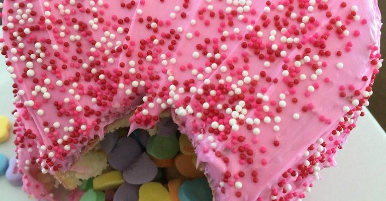 #MyValentine Pinata Cake To Delight Anybody! #RecipeIdeas