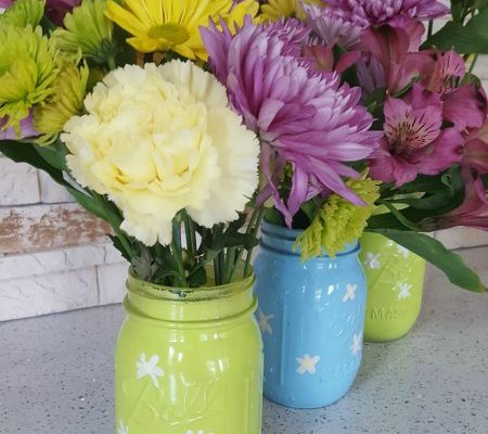 Mason Jar Spring Vases #12DaysOf Mother's Day #Crafts