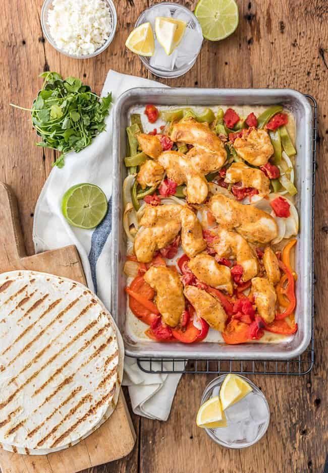 Skinny Baked Sheet Pan Chicken Fajitas – How to make easy and quick weeknight sheet pan dinners with chicken, fish, vegetables
