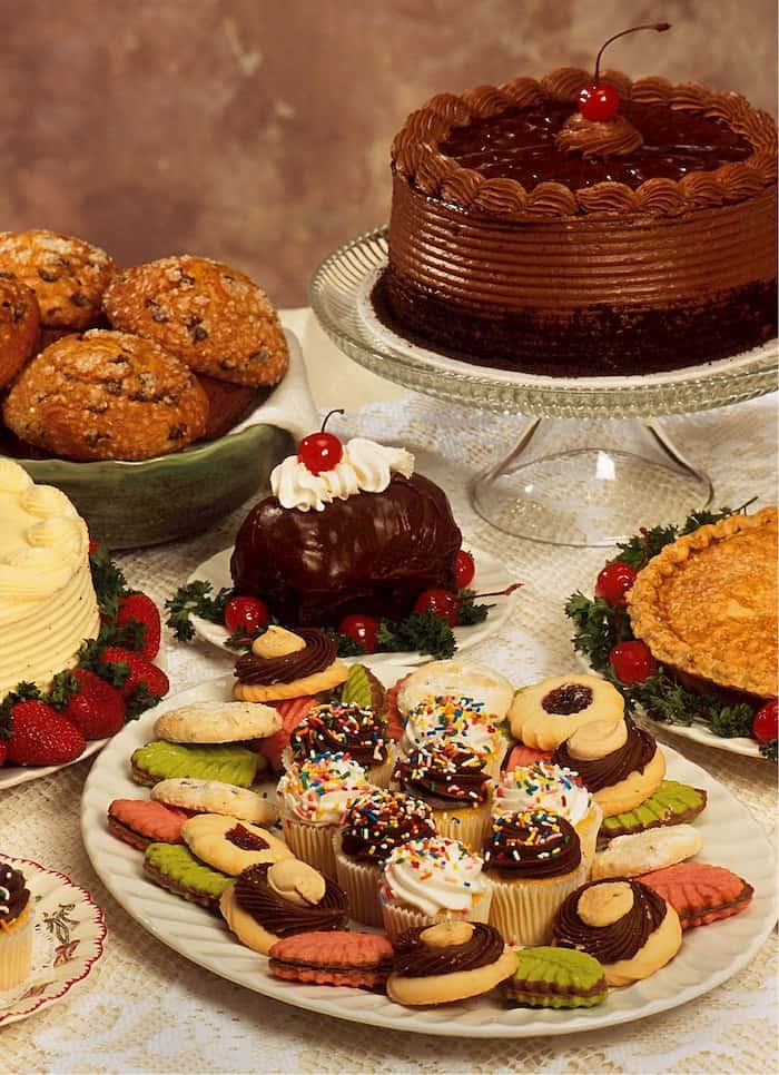 dessert table, high carbs, weight gain, cortisol, serotonin, insulin