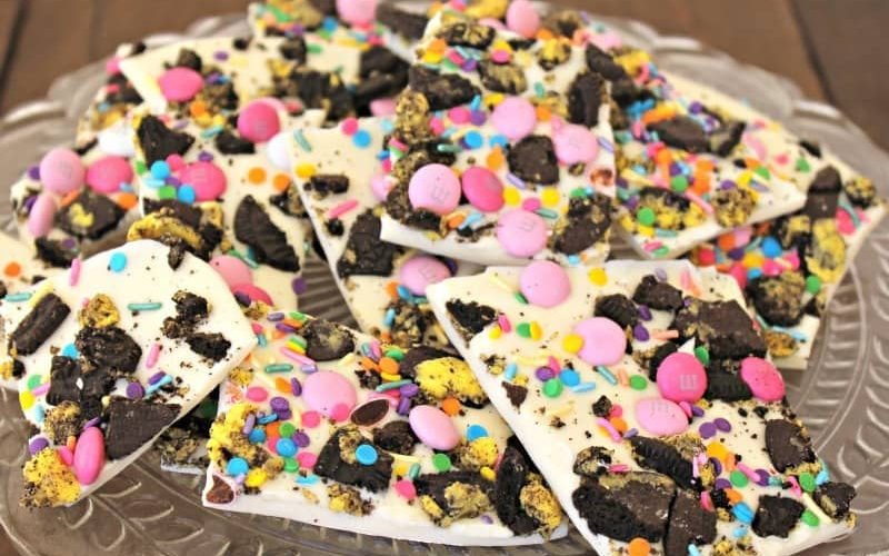 Easter Oreo Bark To Celebrate Your Cultural Traditions