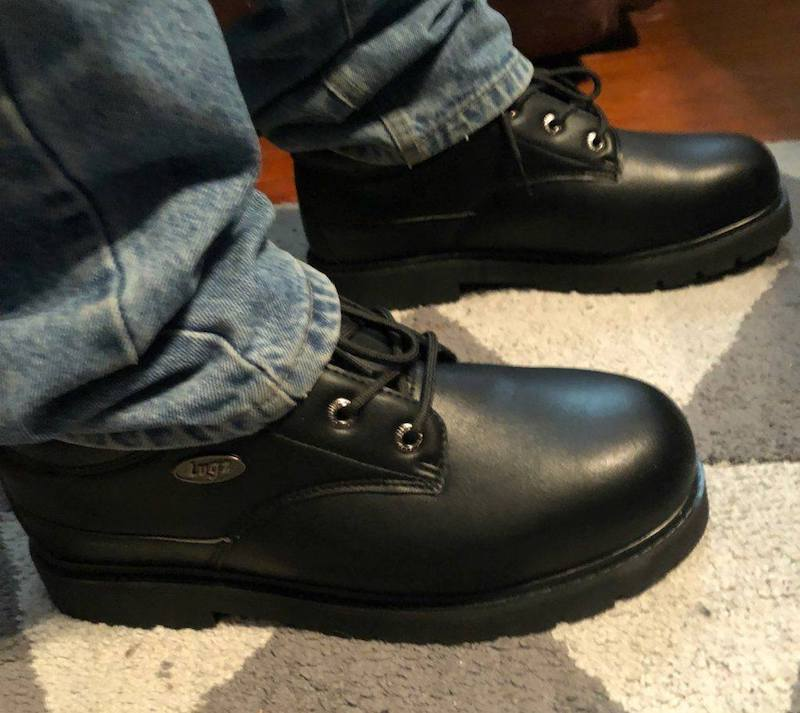 Lugz Drifters are versatile in use. With a rugged appeal for the perfect look, this casual and durable steel toe ankle boot features work-boot styling.