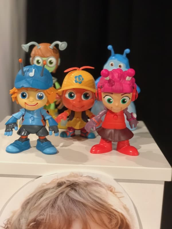 Beat Bugs, TTPM HOLIDAY TOYS