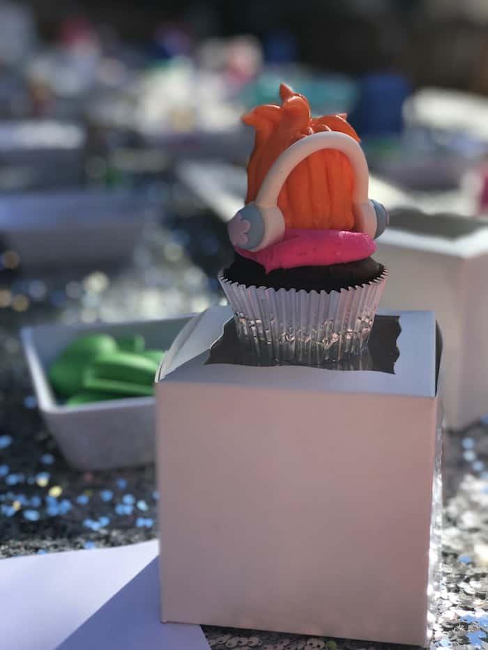 Trolls Craft, Poppy Cupcake Craft