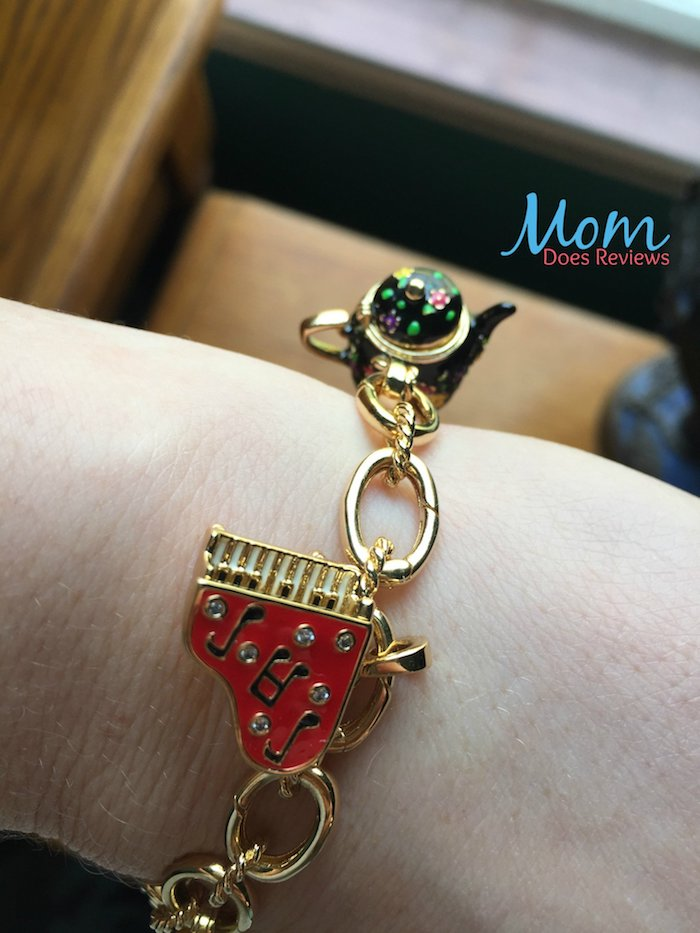 Charmulet bracelet with charms is an amazing costume jewelry to make us happy every day!
