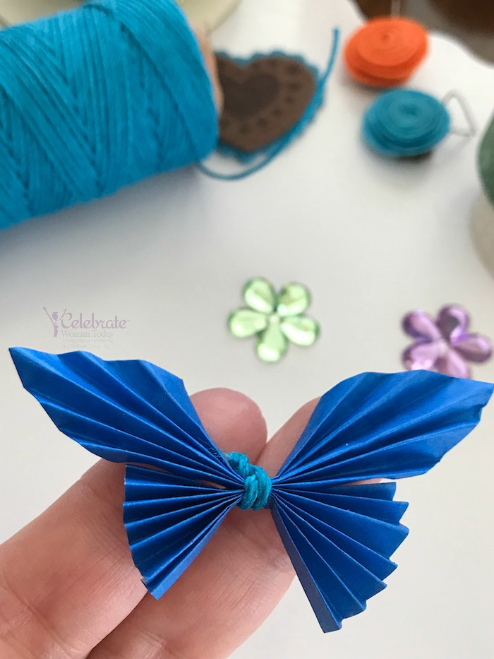 Flower Twisting Craft Tutorial For A Quick And Easy Craft