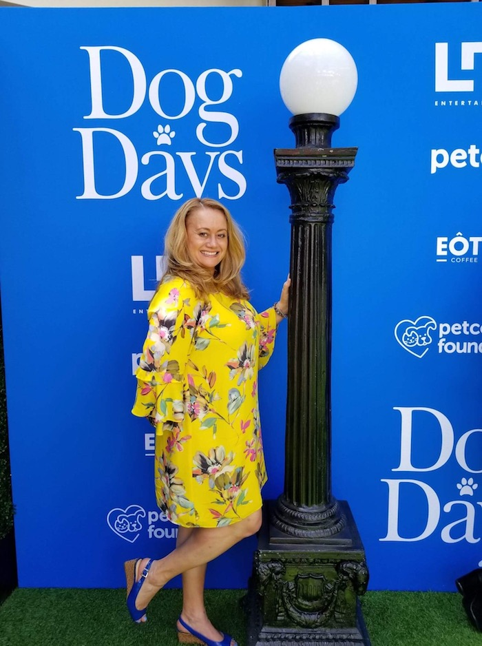 The RED CARPET area was so nicely done! Details from the movie and all things DOGS! DOG DAYS Red Carpet Movie Premiere