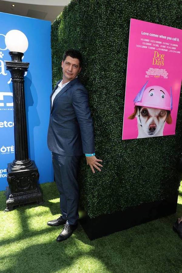 Director KEN MARINO at the RED CARPET Of DOG DAYS Movie Premiere. Amazing sense of humor and, as a result, an awesome shot! DOG DAYS Red Carpet Movie Premiere August 5, 2018, Los Angeles