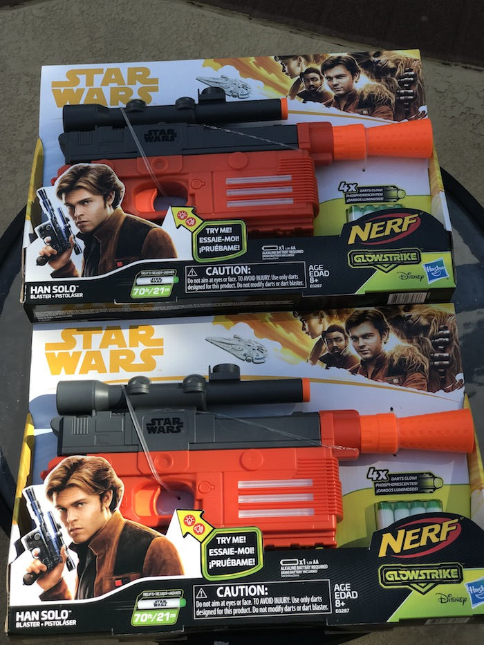 Han Solo Nerf Blaster has GlowStrike technology for light effects and glow in the dark darts. SOLO: A Star Wars Story movie