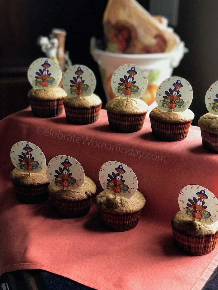 Download FREE Thanksgiving Turkey Cupcake Toppers Printable! Decorate to your heart's desire!