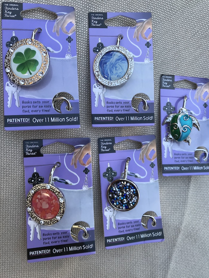 Once you've got a purse organizer gift, get your woman this keychain that helps her to find her keys in no time! FINDERS KEY PURSE gorgeous key chain designs cater to a woman who loves convenience. Unique gift ideas for a woman who has everything.