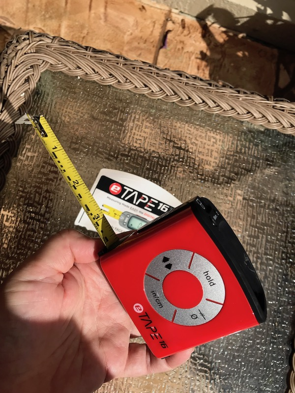 Need a bit of help from your tape measure? How about using this #digital #tapemeasure? Quickly convert measurements to a variety of formats, calculate midpoints, and store results, too! #measuring #homeimprovement #celebratewoman #tools #tape