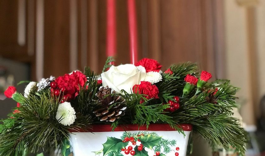 Holiday Flowers Women Love With Our Favorite Flowers List
