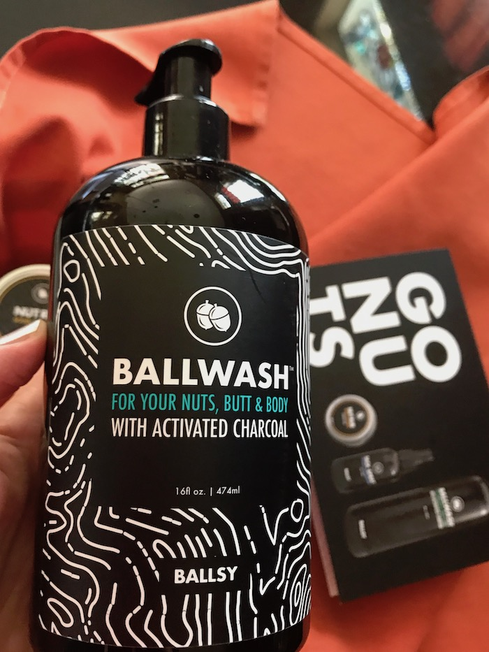 Ballwash bodywash with activated charcoal for men