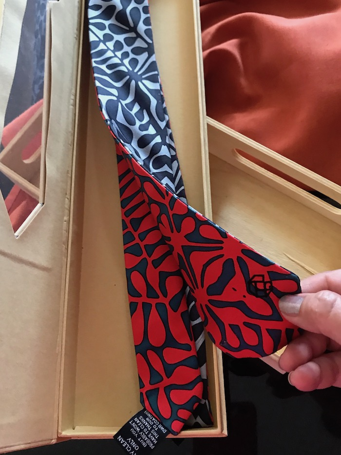 Unique Father's Day gift idea with Magnetie tie for men