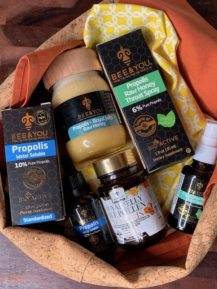 Raw honey and propolis for skin health in women