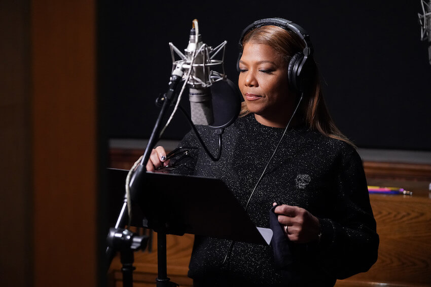 Queen Latifah in studio
