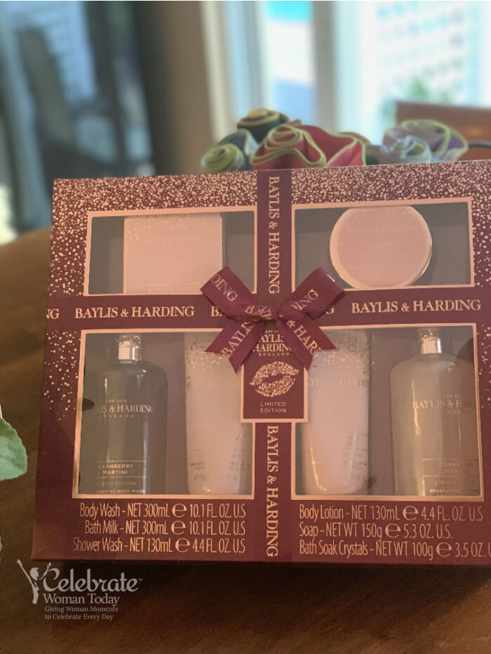 Baylis & Harding Cranberry Martini Ultimate Bathing Gift Set